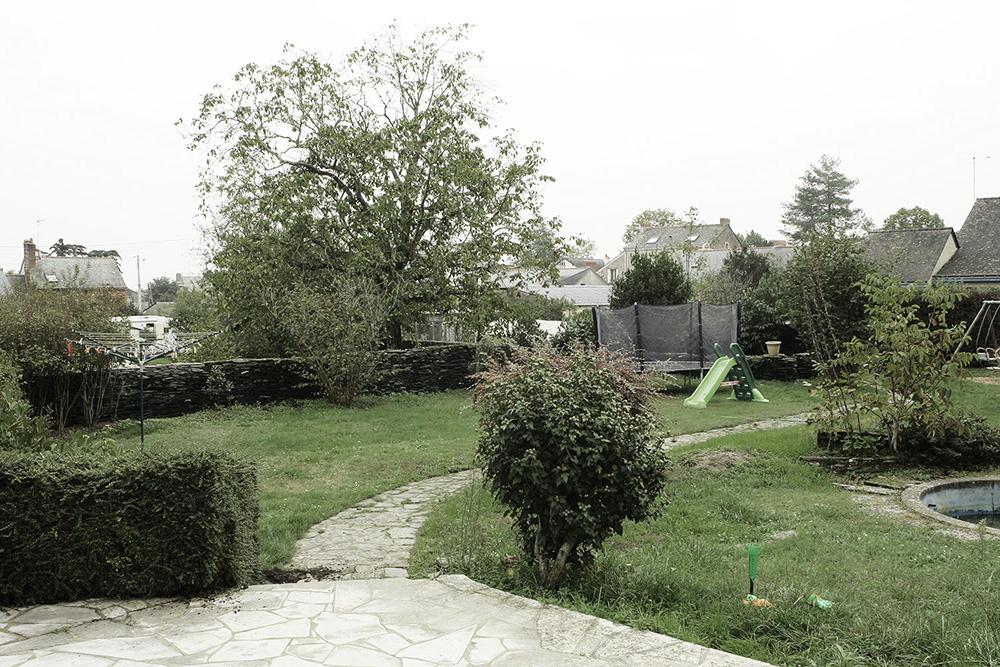 Jardin fleuri a Juigne sur Loire 49 avant travaux paysagers